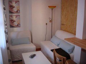 Sitzecke mit Sofa und Sessel